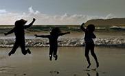 Photos de jeunes au bord de l'eau